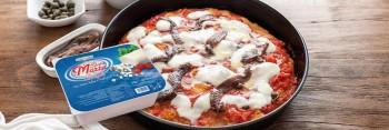 Leggi tutto: Pizza margherita con mozzarella Santa Marta, alici e capperi