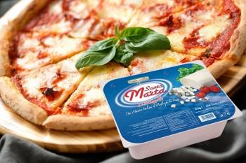 Leggi tutto: Pizza margherita con mozzarella Santa Marta, alici e capperi.